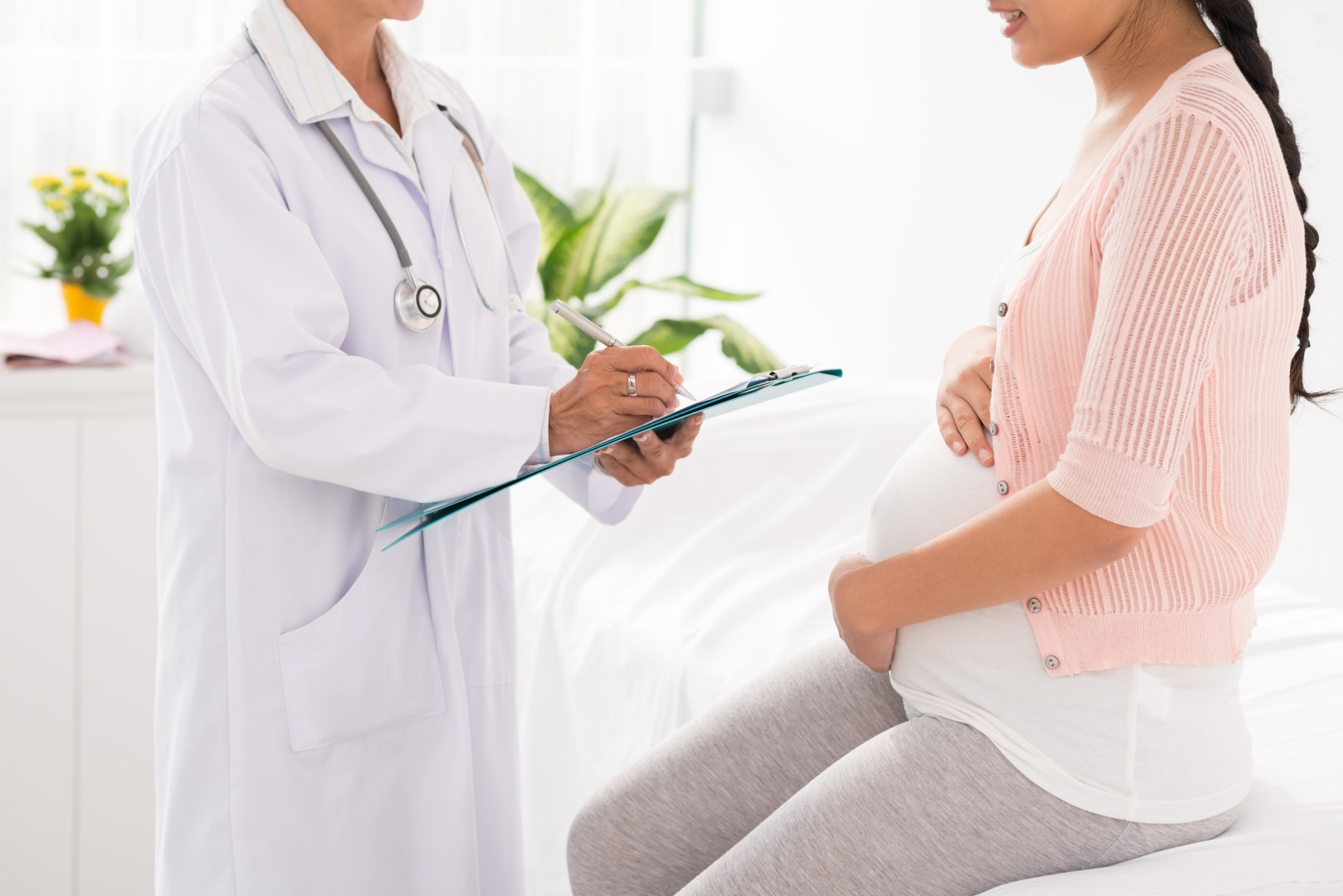 Μπορεί μια γυναίκα να γεννήσει φυσιολογικά μετά από προηγηθείσα καισαρική τομή;
