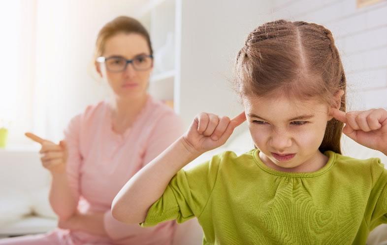 Χειριστικός γονιός: ένας ασυνείδητος συναισθηματικός εκβιασμός που βασίζεται σε μία θυσία ζωής