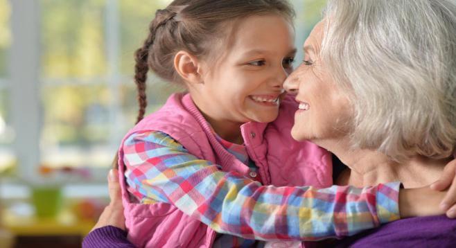 Ποιος θα κρατήσει το παιδί; Οι παππούδες ή μία γυναίκα;