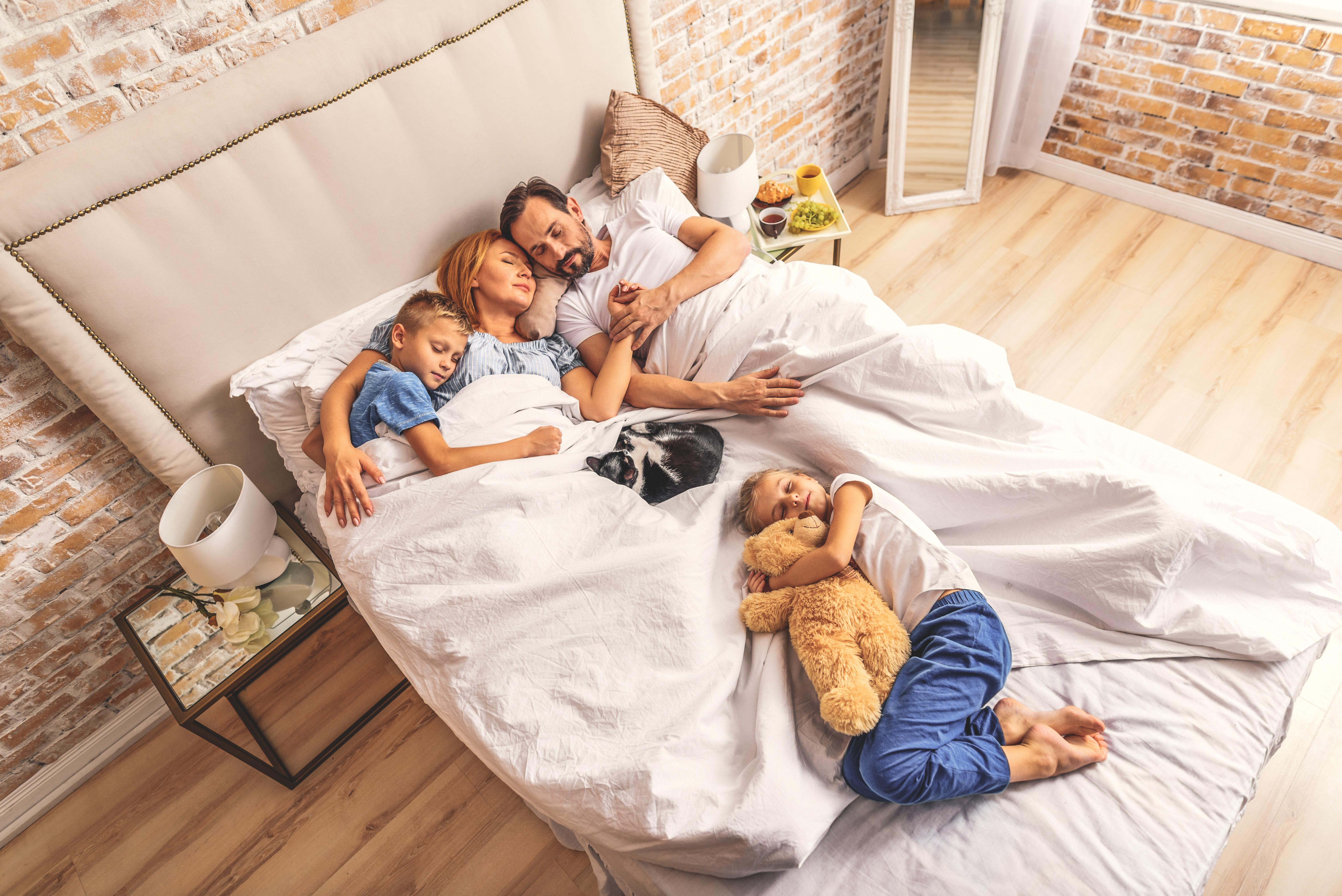 Πώς πρέπει να κοιμούνται τα παιδιά;