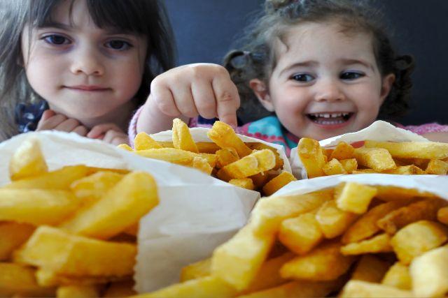 Τηγανητές πατάτες… φούρνου με σκόρδο και καυτερή πάπρικα