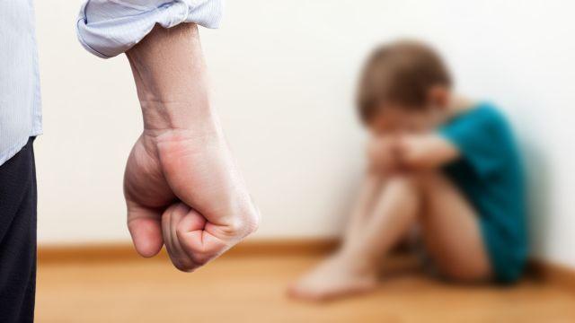 Η (γονεϊκή) γλώσσα κόκκαλα δεν έχει και κόκκαλα (παιδιών)τσακίζει!