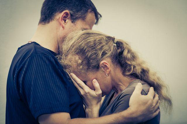 Πόσο υγιείς δεσμούς συνάπτουμε και πόσο δέσμιοι είμαστε των σχέσεων μας;