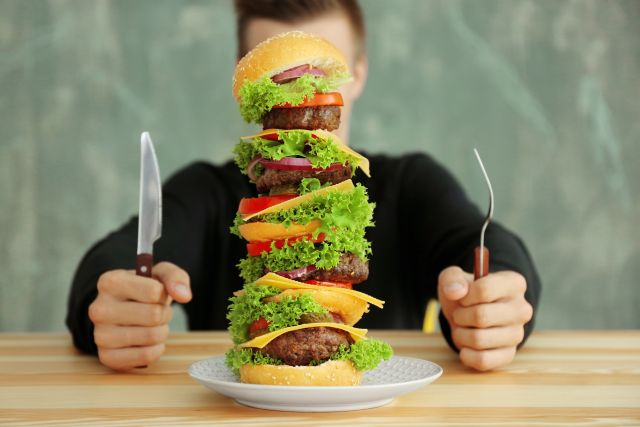 Burger με Μπιφτέκι Παντζαριού