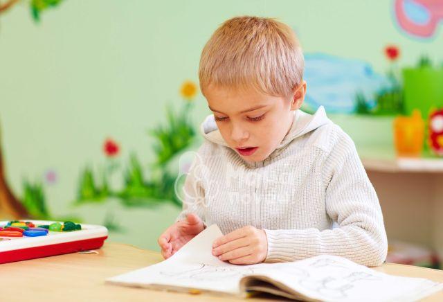 Τα Στάδια Ανάπτυξης Του Λόγου Στην Παιδική Ηλικία