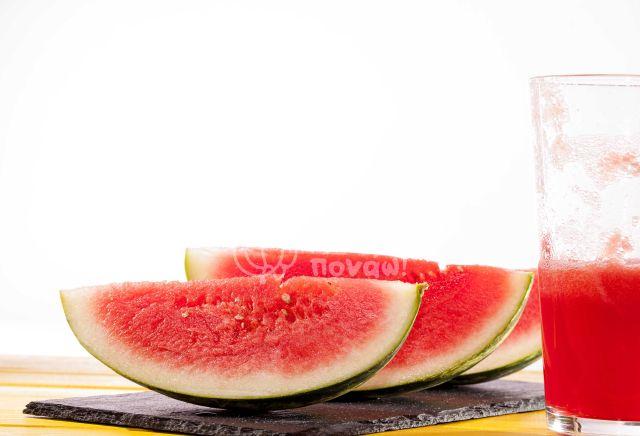 Καρπούζι: Η Δροσερή Διατροφική Έκπληξη!