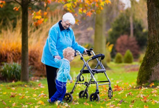 Η Συμμετοχή Του Παππού Και Της Γιαγιάς Στην Ανατροφή Των Παιδιών