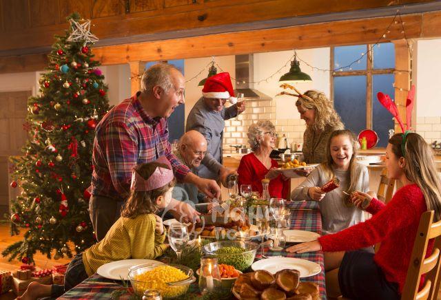 Αυτές Τις Γιορτινές Μέρες Ας Επανασυνδεθούμε Με Τους Ανθρώπους Που Αγαπάμε!
