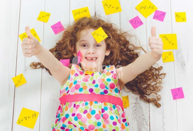 10 Εύκολες Και Αποδεδειγμένες Τεχνικές Για Την Ενίσχυση Της Μνήμης Του Παιδιού Σας