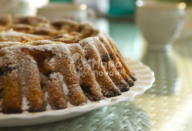 Κέικ Με Μήλα, Σταφίδες Και Κανέλα (20 Φέτες)