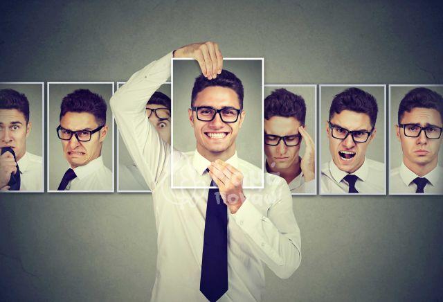 """8 Μύθοι Για Τα Συναισθήματα Οι Οποίοι Δυσκολεύουν Τους  """"Έξυπνους"""" Ανθρώπους"""