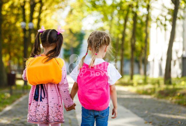 """Σχολική Τσάντα: Βοηθήστε Τα Παιδιά Σας Να Σηκώσουν Τα """"Σχολικά Βάρη"""""""